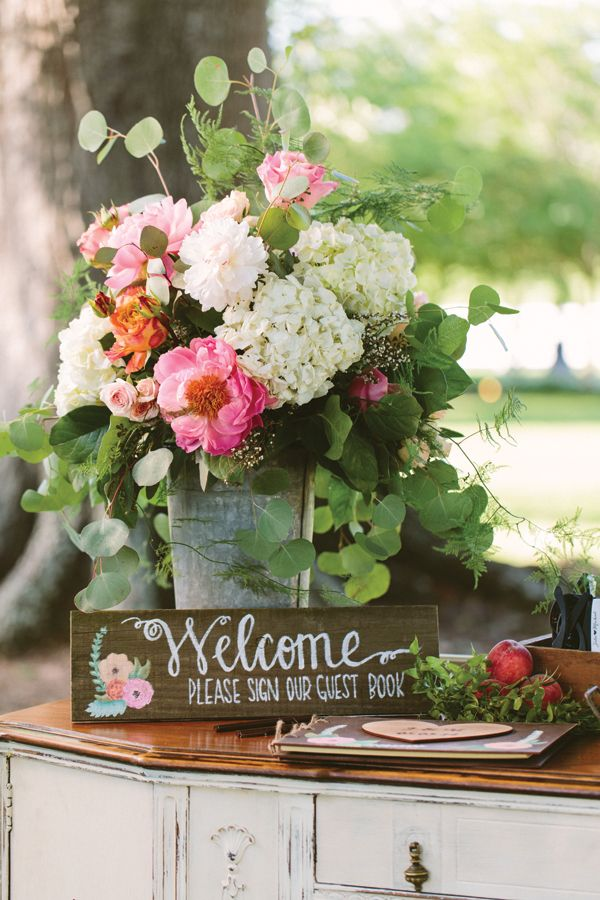 17 best ideas about welcome table on pinterest wedding for Angela florist decoration