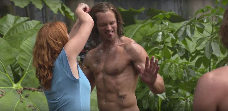 """skarsjoy: """"New video of from the #LegendofTarzan on Alexander Skarsgård training for his role as Tarzan. Watch the video here: Alexander Skarsgard Tarzan Workout (Behind the Scenes) Blu-Ray Clip HD Published on Oct 9, 2016 Alexander Skarsgard worked..."""