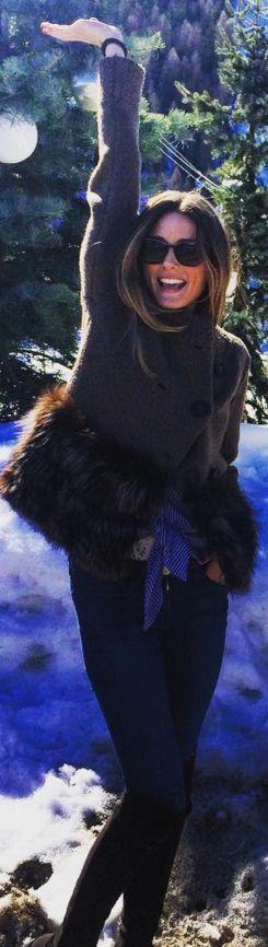 Olivia Palermo: Jacket/sweater – Salvatore Ferragamo  Shoes – Stuart Weitzman
