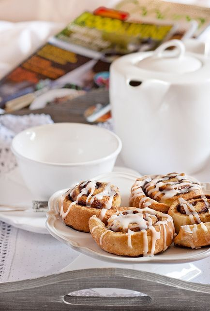 Delicious Gluten Free Cinnamon Rolls and more of the best gluten-free cinnamon rolls recipes on MyNaturalFamily.com #glutenfree #cinnamonrolls #recipe