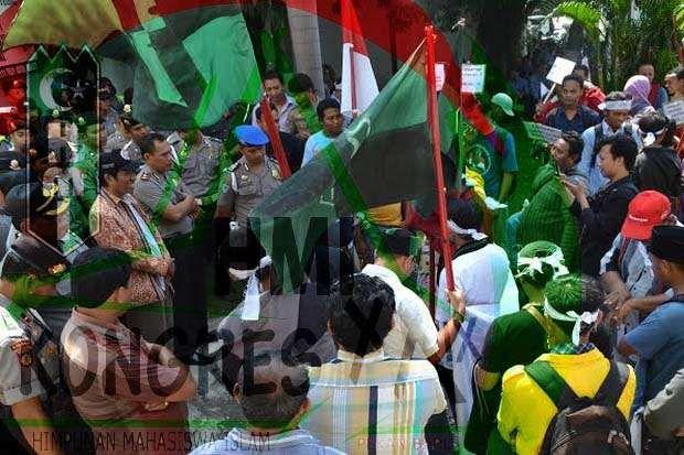 Ditelantarkan Panitia Kongres Penyebab HMI Makassar Rusuh