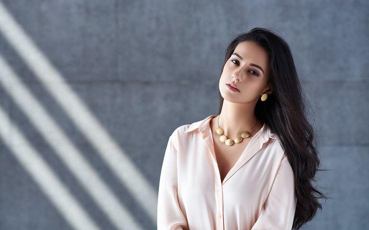 Awesome Pics Amrita Rao Actress HD Widescreen Wallpapers