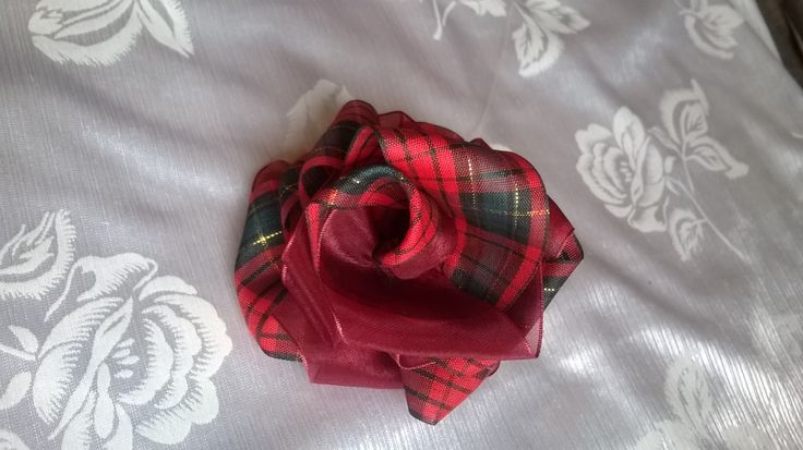 Made this rose flower - check colour in red and black