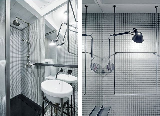Progetto di due bagni e una cucina in un appartamento a Praga by Studio Formafatal | ARC ART by Daniele Drigo uso vetro retinato al posto delle piastrelle e del box doccia