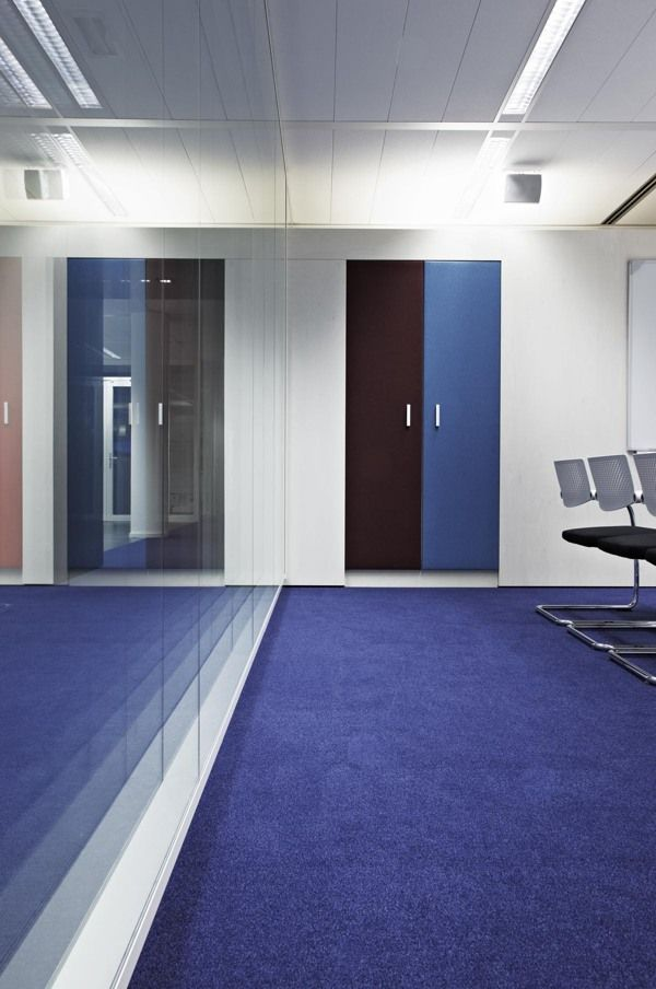 2010: BDO  International ICT office - the Netherlands by M+R interior architecture www.mplusr.nl, via Behance