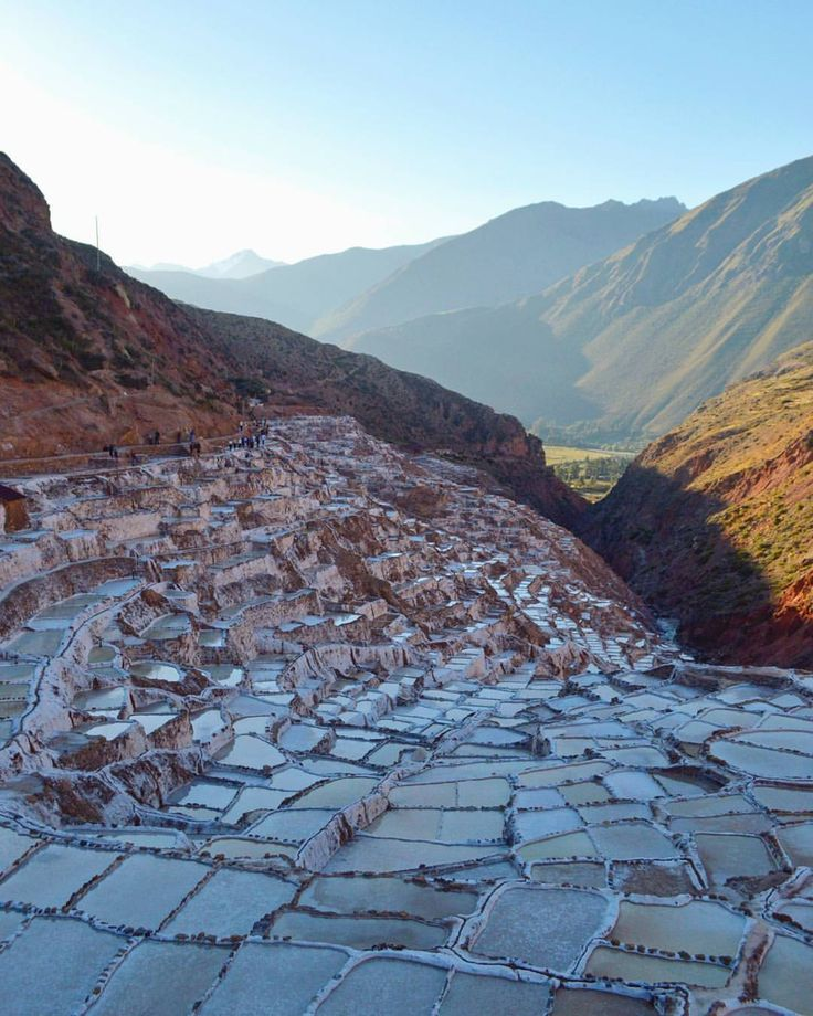 Sal. by #Bizzartino @Bizzartino  #urubamba #valley #traveling #peru #cusco #amazing #landscape #sunset #andes #Mountains #cool #wanderlust #salt (en Maras, Peru)
