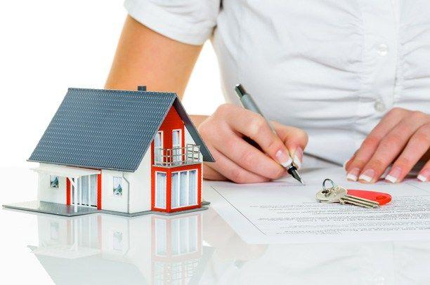 Contratar seguros reduce la cuota hipotecaria ¿Sale a cuenta?