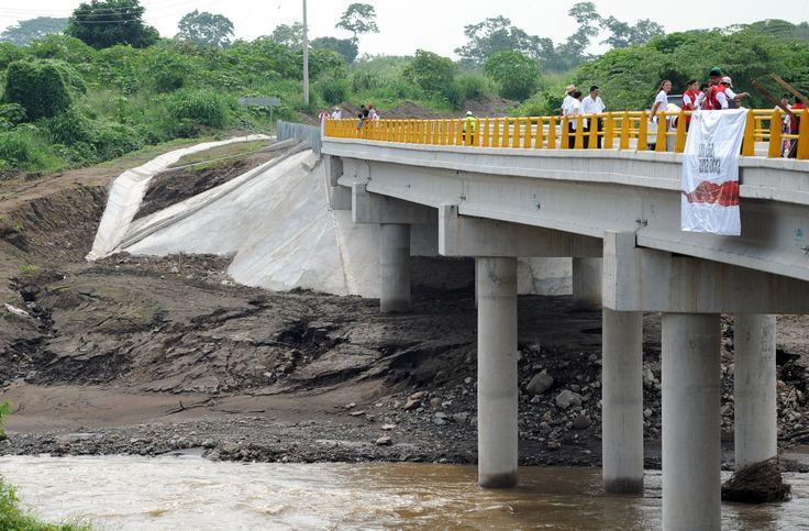Así luce el puente Prosperidad, el cual mide 100 metros de largo.