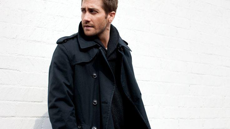Скачать обои взгляд, стена, куртка, мужчина, Jake Gyllenhaal, Джейк Джилленхол, раздел мужчины в разрешении 1600x900
