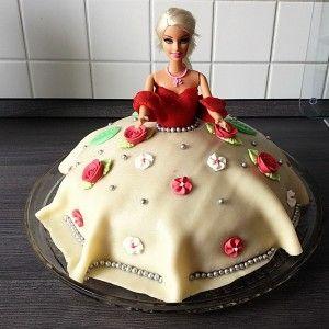 Rezept und Anleitung für eine Barbie-Torte