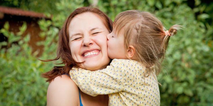 Όταν ένα παιδί είναι αναστατωμένο και κλαίει ακόμα και χωρίς προφανή λόγο, το πρόβλημα είναι ένα: πώς θα το ηρεμήσουμε. Δείτε το πιο απλό κόλπο με τα πιο σίγουρα αποτελέσματα!