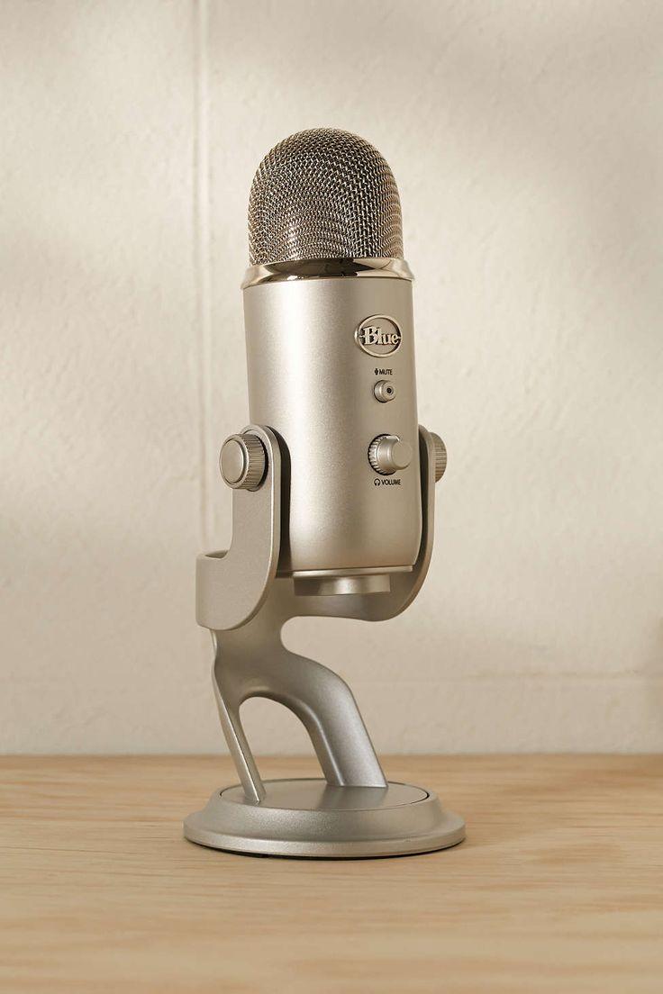 Blue Microphones Yeti USB Microphone. Микрофон, который можно воткнуть в MacBook Air для того, чтобы делать подкасты