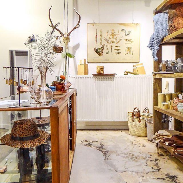 De city guide van Utrecht krijgt steeds meer vorm, kan niet wachten om hem aan jullie te laten zien! Zoveel leuke plekjes  fijne avond! #utrechthotspots #utrecht #vollers386 #weekendjeweg #woonwinkel #woonaccessoires #interieur #woonblog #winkelen #utrechtcity #wonen #showhometop5 #witwonen #vintageinterieur #vintageinterior #reisblog #reizen #wooninspiratie #inspiratie