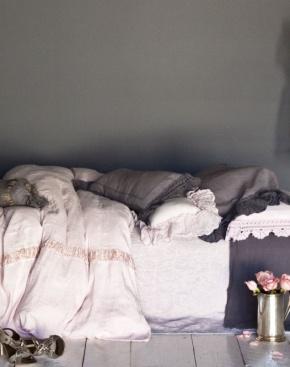 Slaapkamer in poedertinten
