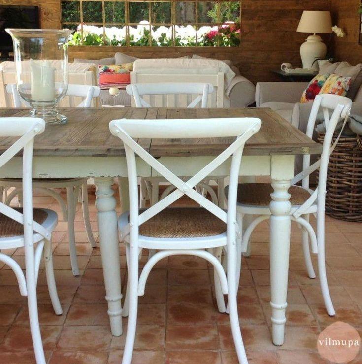 Mesas de comedor rustico chic rectangulares, redondas y cuadradas de madera natural maciza en la tienda online de Vilmupa