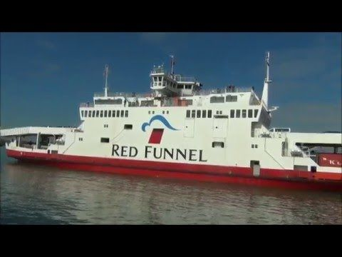 (2) SHIPS & BOATS IN SOUTHAMPTON ENGLAND [HD] - YouTube