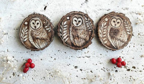 Barn Owl set of 3, Woodburn art on natural wood slice, rustic Christmas Pyrography art.  Realized with free fallen branches recycled and reworked.   #barn #owl #woodburn #pyrography #wood