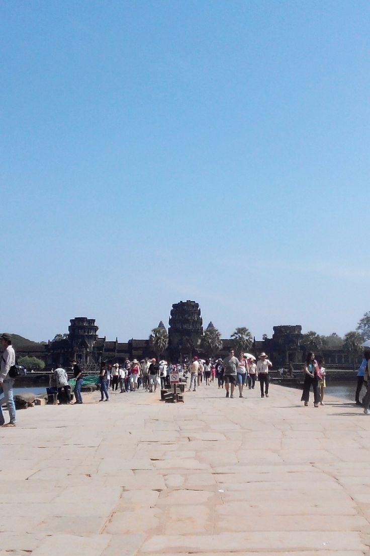 alan yang panjang namun menyenangkan jika Anda telah sampai di candi megah Angkor Wat, Kamboja. photo by David Angkor Wat, Cambodia.