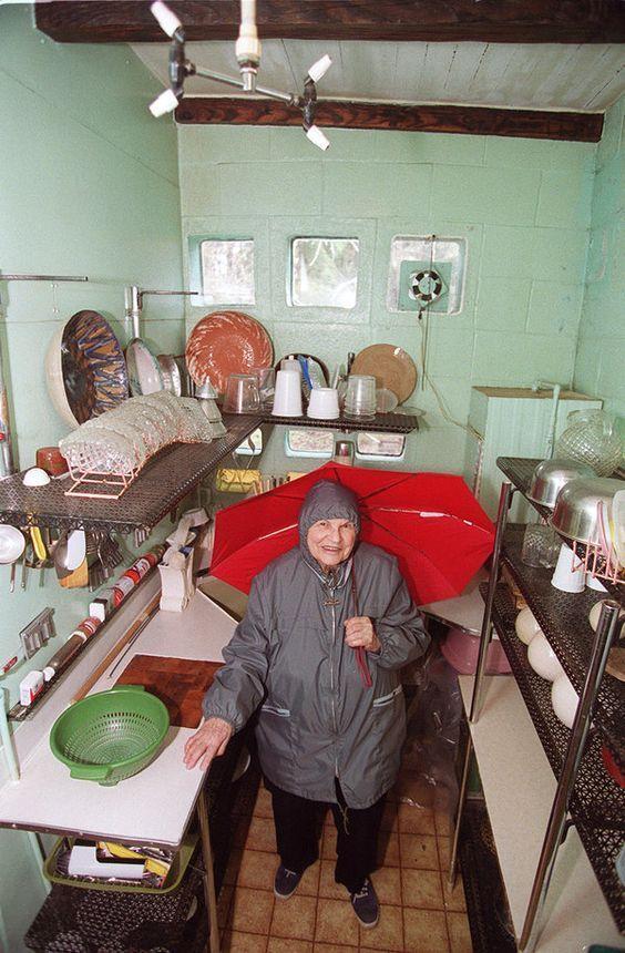Эта женщина принципиально не убиралась более 20 лет, потому что в ее доме есть секрет… – В РИТМІ ЖИТТЯ