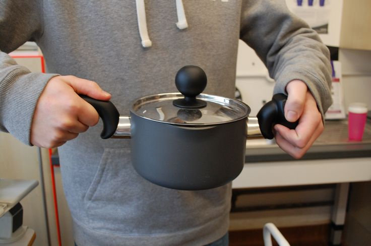 Easier  to grip saucepan