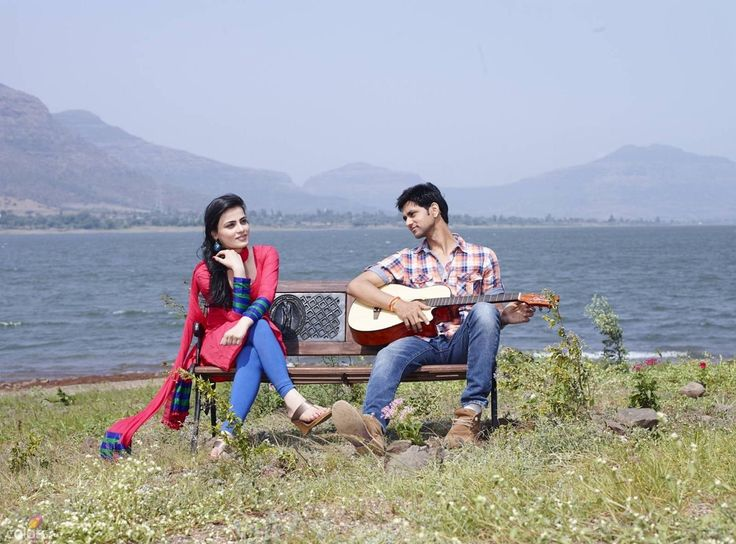 Radhika-Madan-as-Ishani-Harshad-Parekh-and-Shakti-Arora-as-Ranveer-in-Meri-Aashiqui-Tum-Se-Hi