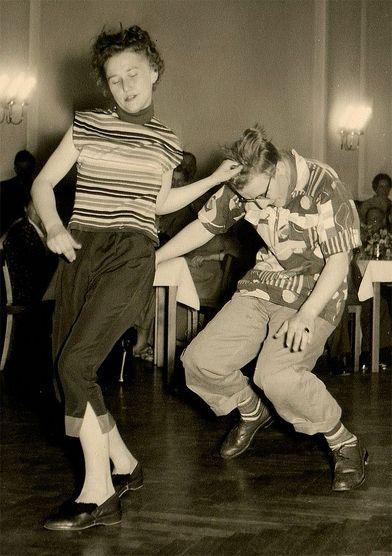 CLASES DE ROCK & ROLL EN MALAGA – PILAR OLIVARES BSD – BAILAS SOCIAL DANCE MÁLAGA CENTRO Clases de baile para grupos y particulares. C/ Esperanto nº8, 29007. Málaga 951 39 33 20 // 622 71 86 86 www.bailasmalagacentro.com