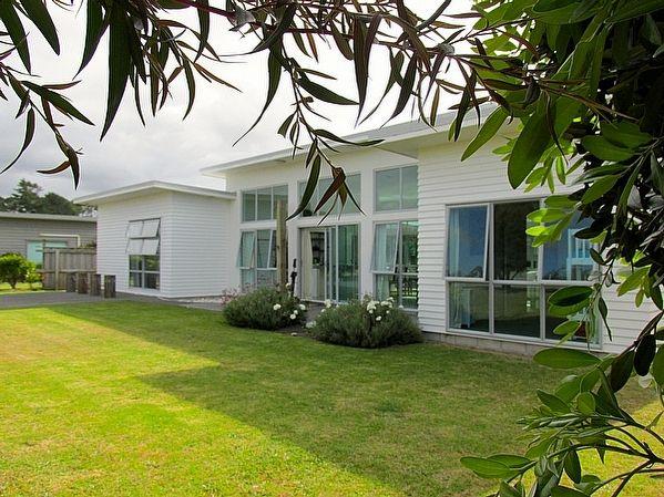 Northland/Mangawhai/Mangawhai Heads holiday home rental accommodation - Casa Bianco - Mangawhai Holiday Home