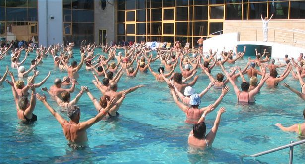 How To Exercise With A Water Aerobics Routine Ehow Pool Workout Water Aerobics Water Aerobics Routine