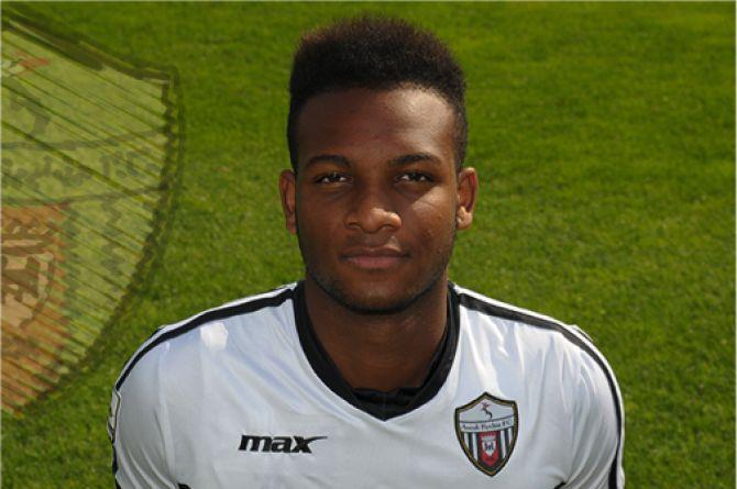 Mozambique - Faisal Bangal #mozambican #footballer #faisalbangal