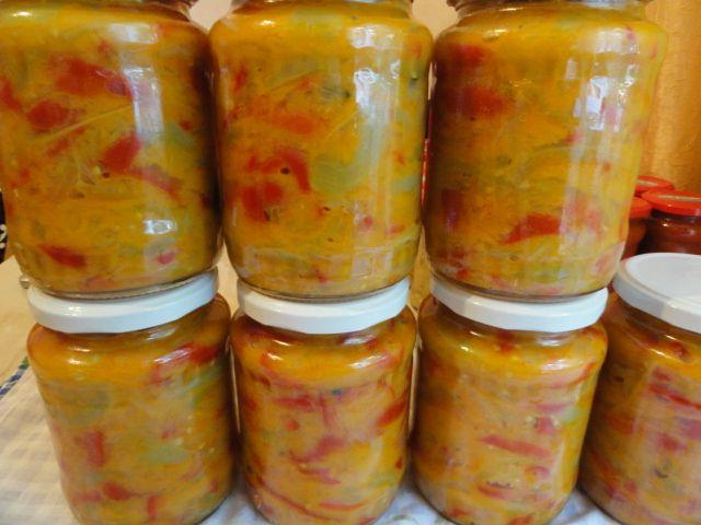 Reteta culinara Salata de gogonele pentru iarna din categoria Conserve. Cum sa faci Salata de gogonele pentru iarna