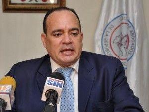 Presidente de abogados dice no se puede retardar más aprobación del Código Penal