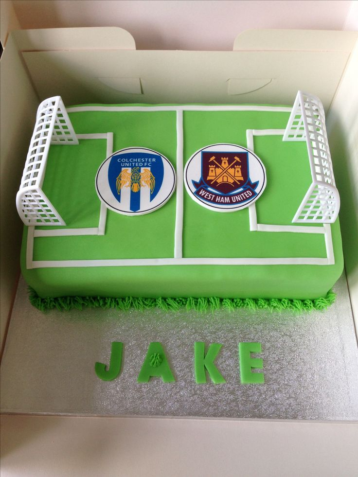25+ best ideas about Football pitch cake on Pinterest ...