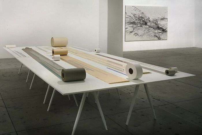 JOELLE TUERLINCKX Table of floating lines
