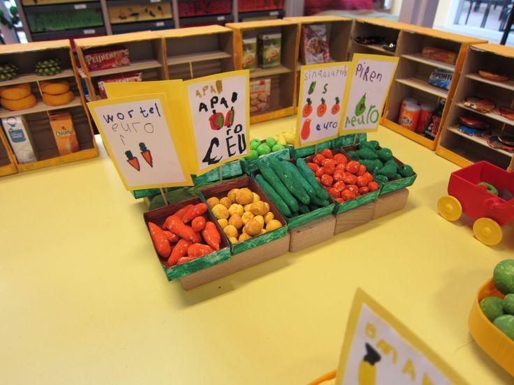 minisupermarkt 05  speeltafel Nutsschool Maastricht