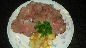 Ricetta Roast-beef al forno: Il roast beef è il piatto domenicale della tradizione anglosassone. Ormai famoso anche nelle nostre tavole anche per la facilità con cui si realizza. Per ottenere un roast beef cotto alla perfezione si deve curare solo il tempo!
