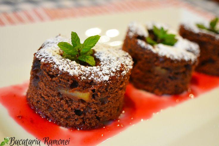 Fie că ții post sau nu poți pregăti foarte simplu și rapid această delicioasă negresă cu care îi vei surprinde pe cei dragi. Gasesti reteta dand click pe acest link: http://bucatariaramonei.com/recipe-items/negresa-de-post/