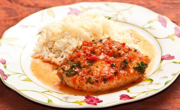 atun guisado - http://www.comedera.com/receta-facil-de-atun-guisado/