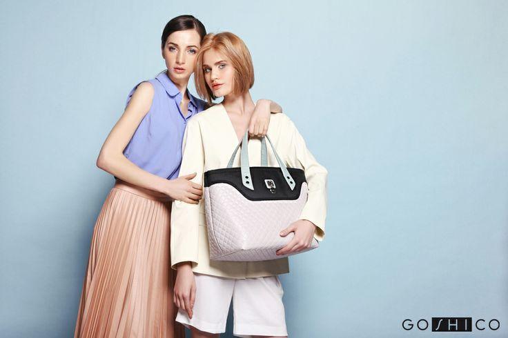 http://goshico.com/en/medium-top-handles-shoulder-coffer-bag-flowerbag-waterproof-material-bright-black-material.html PRICE: 91.50 €