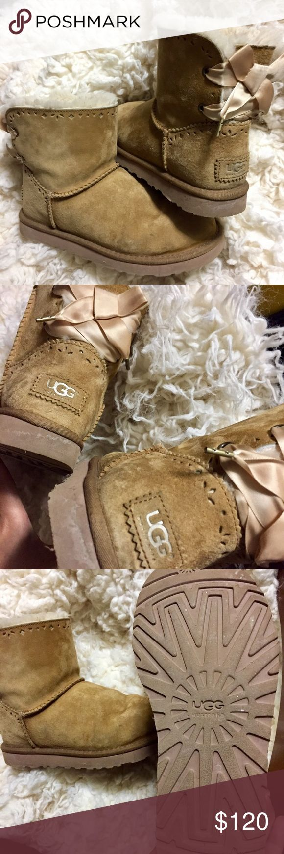 Ugg Dixi Flora Women's size 7 Great condition size 7 . Authentic uggs flora pixi ! Retail 180 UGG Shoes Winter & Rain Boots