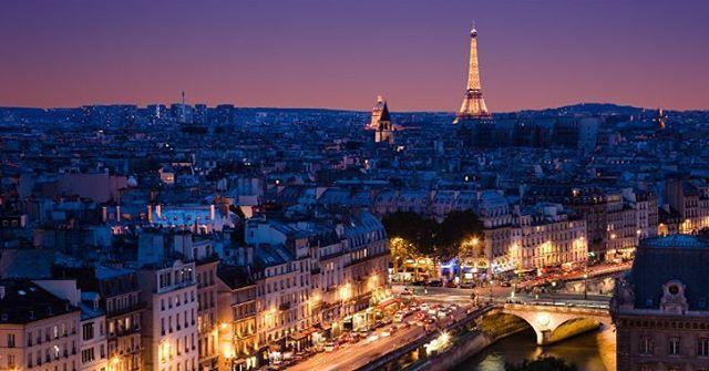"""""""¡Buenas noches chic@s!✨😊. Este fin de semana nos vamos a París 🥐🗼 por primera vez. Solamente sera de Sábado tarde a Lunes por la mañana, pero queremos aprovechar el Domingo completo para ver lo que nos de tiempo👌🏼. ¿Alguna recomendación? Sitios para comer, qué es lo que no nos podemos perder?🤔. Gracias chic@s!!!! 😄 #paris#europe#europa#travel#traveller#travelling#blogger#blog#viajandoalgusto#viajando#viajes#travelblog#travelblogger#viajeros#followback#like4like#pic#findesemana"""" by…"""
