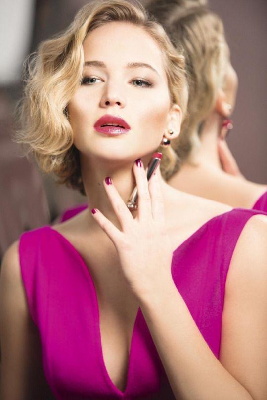Qu'est ce que je vous disais! Elle ressemble à Marilyn Monroe.