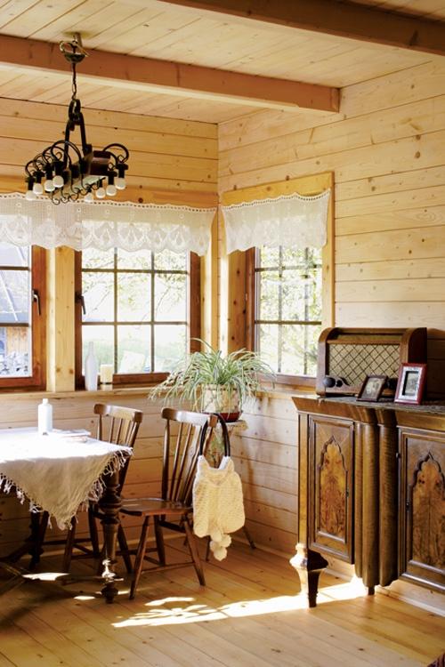 die besten 25 holzhaus polen ideen auf pinterest h lzerne kleiderhaken garderoben porta und. Black Bedroom Furniture Sets. Home Design Ideas