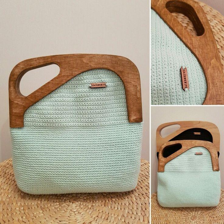 Croshet handbag with wooden frame