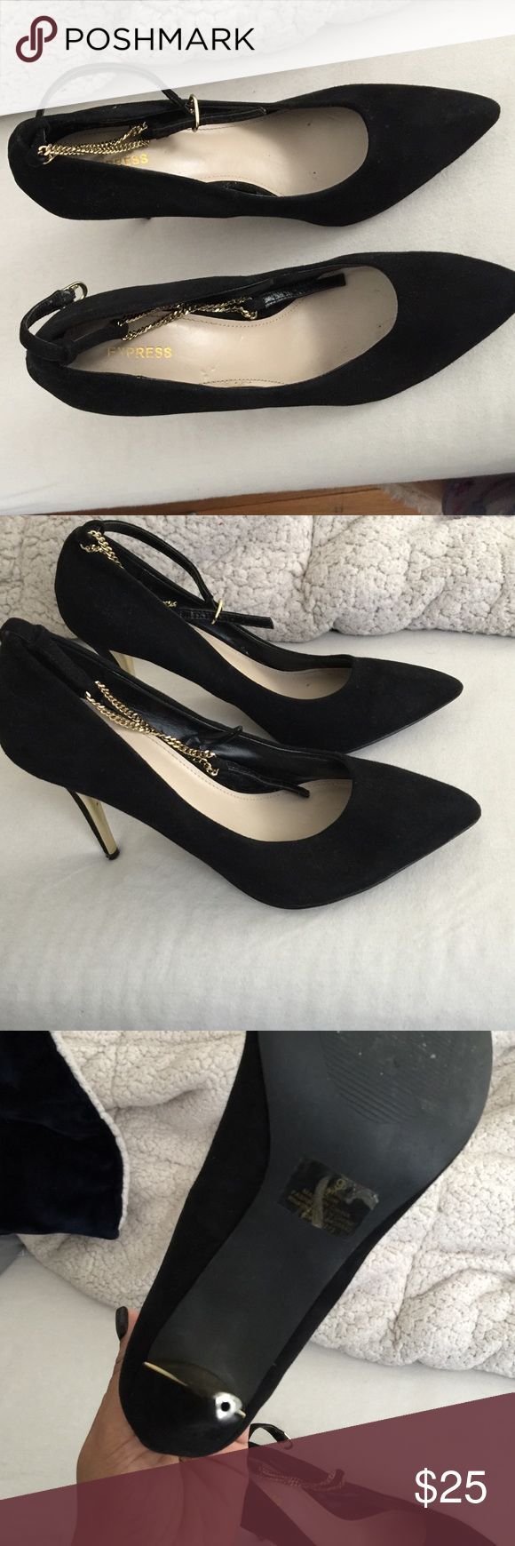 Black shoes express Used maybe 3x only damage is under the heel and it's fixable like New color is black there a size 9 runs like a size 8 Express Shoes Heels