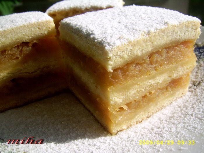 Prajitura frageda cu mere - Tender Cake with Apples (Romanian recipe)