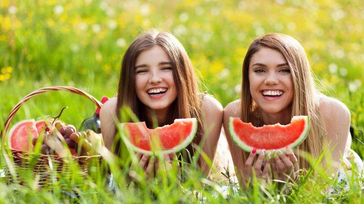 Schönheit kann man essen : Superfood-Tipps für strahlende Haut und gegen Cellulitis