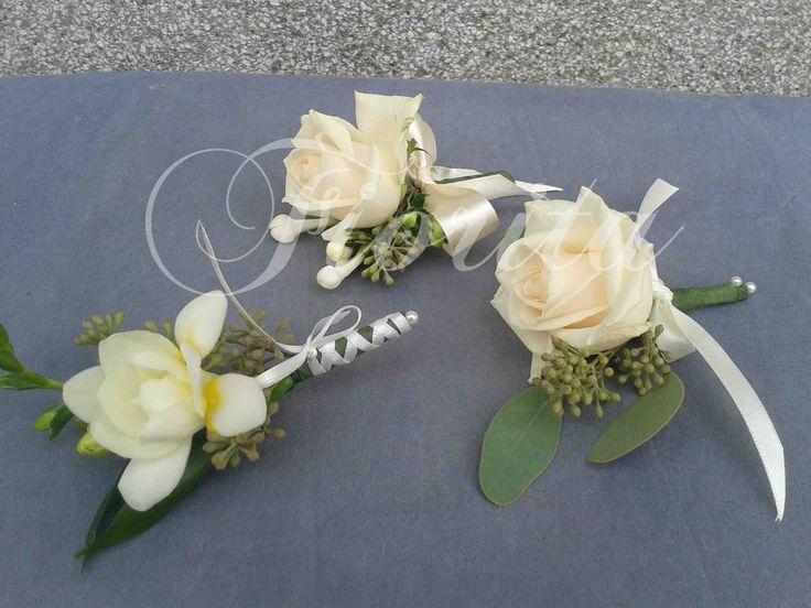 Korsáže pro ženicha a svědky