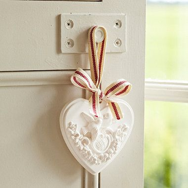 Great scented decoration. Orange and Cinnamon Scented Clay Heart - From Lakeland