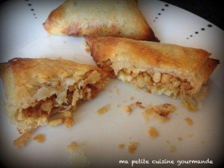 Samossas de poulet aux amandes: http://cookbyflo.fr/samossas-de-poulet-aux-amandes/