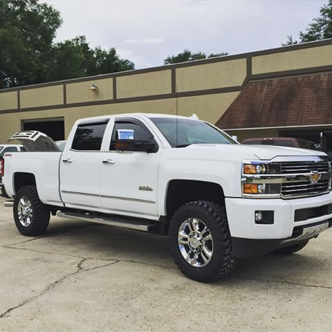 White Lifted Jeep >> White Leveled High Country Duramax 2500 | Duramax, New ...